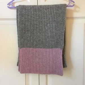 GAP Knit Scarf - NWOT